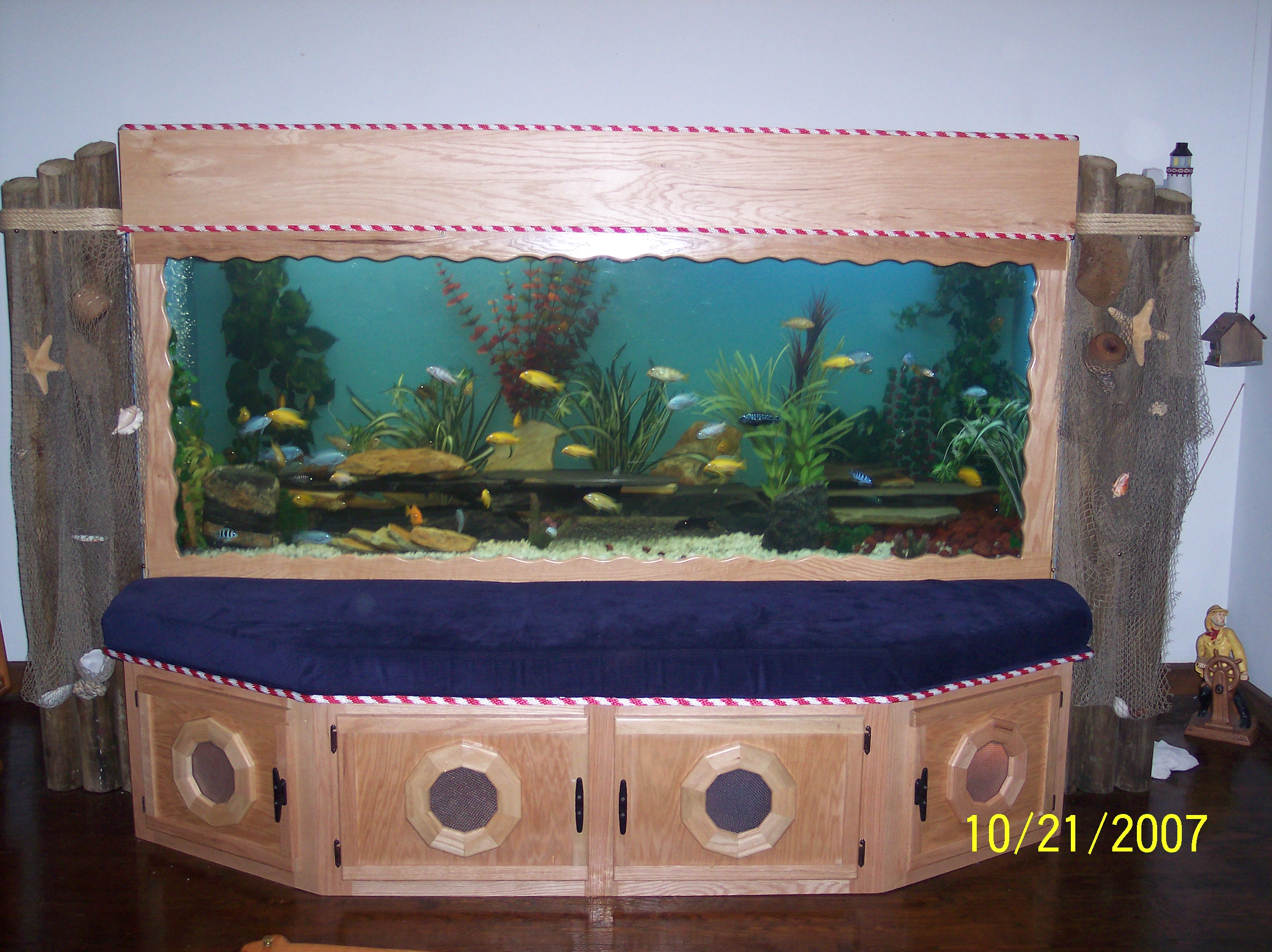 450 gallon plywood tank built by me cool ya for Plywood fish tank